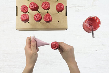 Make your own DIY cake pop stand