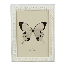 Load image into Gallery viewer, Trailing Daisy Edge Photo Frame - White