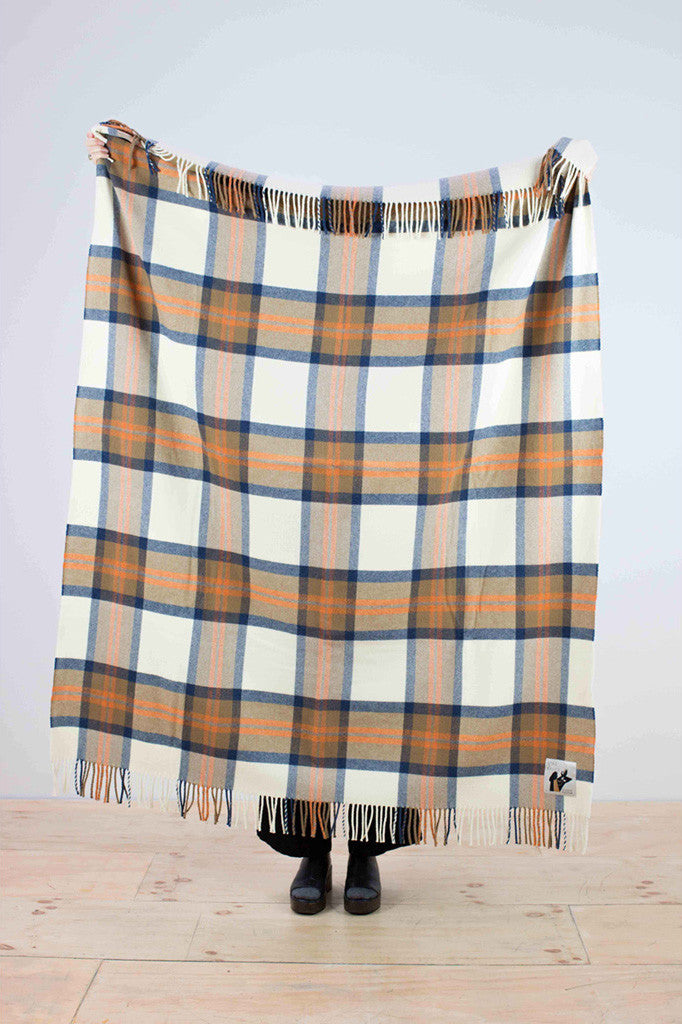 Checked woolen throw in blue and brown