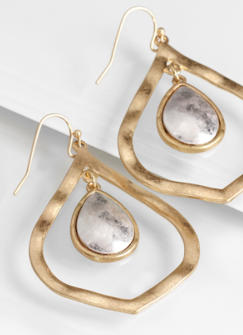 Hammered Metal Marque With Teardrop Earrings - Oh, Darlin'