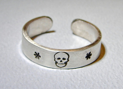 Sterling Silver Ring with a Skull and Star Flowers, NiciArt