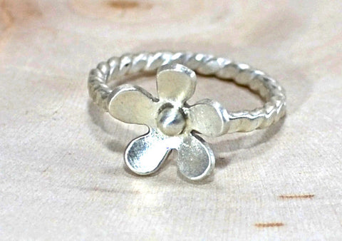 Sterling silver Petite flower ring with twisted band, NiciArt