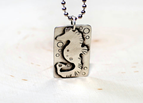 Sea horse necklace in sterling silver, NiciArt