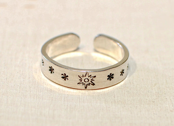 Sterling Silver adjustable toe ring or finger ring with sunburst and stars