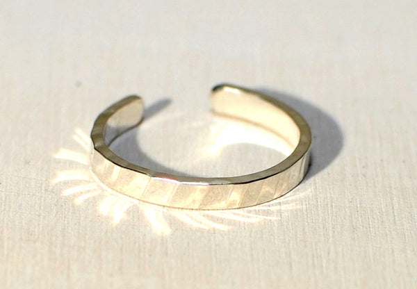Sterling silver toe ring with rippled hammered design