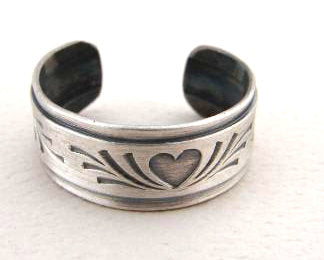 Sterling Silver Toe Ring with Heart and Antiqued Patina