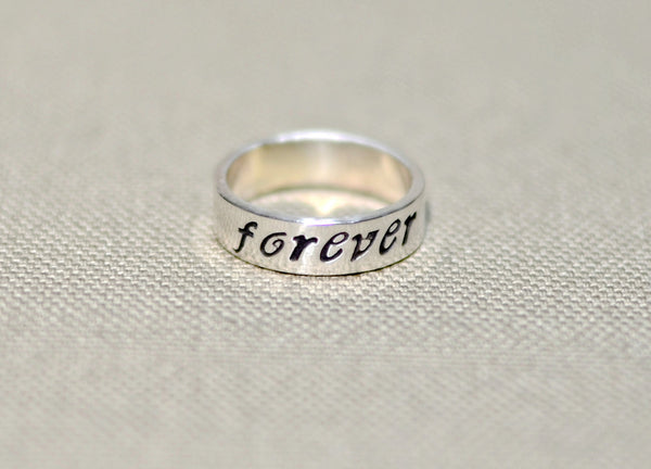 Forever ring in sterling silver