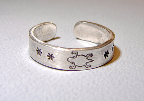 Sterling Silver Toe Ring with Horny Toad Stamp and Stars, NiciArt