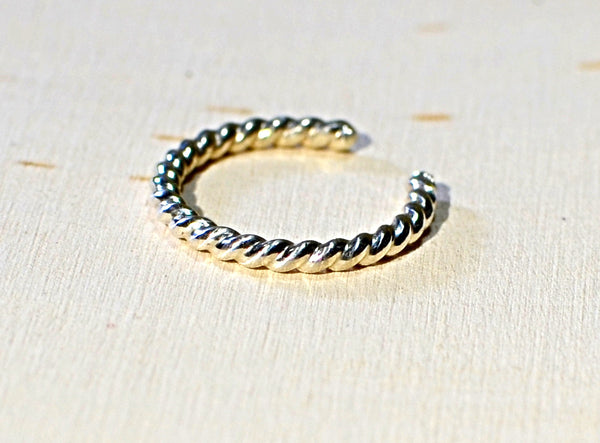 Sterling silver twisted wire toe ring