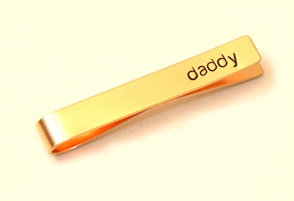 Daddy tie bar in bronze for a special dad