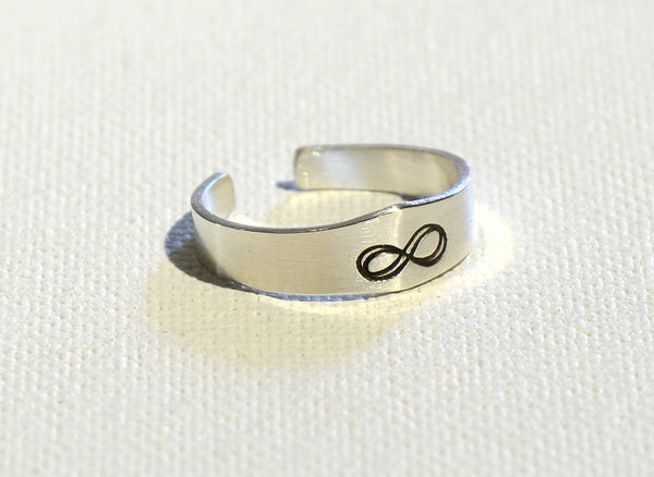 Infinity Sterling Silver Tapered Toe Ring