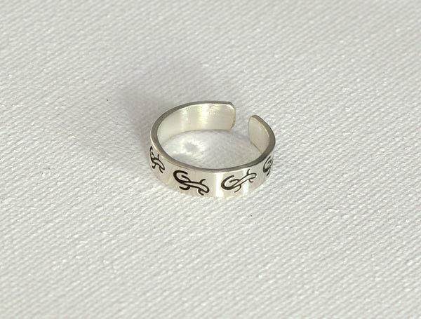 Sterling Silver Dainty Lizard Toe Ring