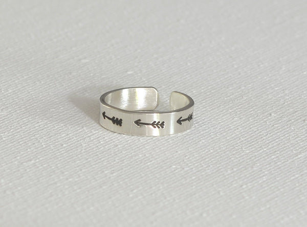 Arrow Toe Ring in Dainty Sterling Silver, NiciArt