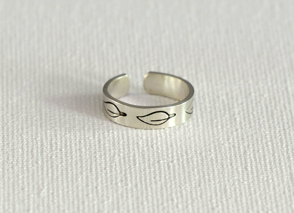 Leaf Toe Ring in Sterling Silver