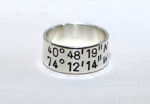 Latitude longitude ring in sterling silver with personalized coordinates, NiciArt