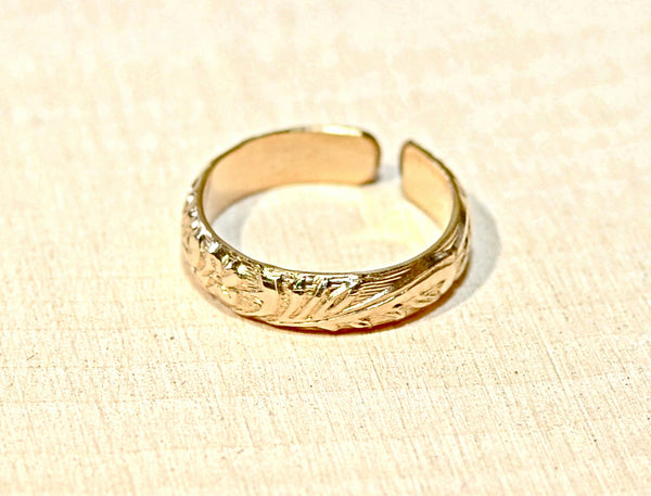14K yellow gold toe ring with leaf design, NiciArt