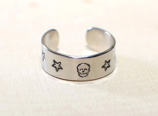 Adjustable ring in aluminum or sterling silver with Skull and Stars, NiciArt