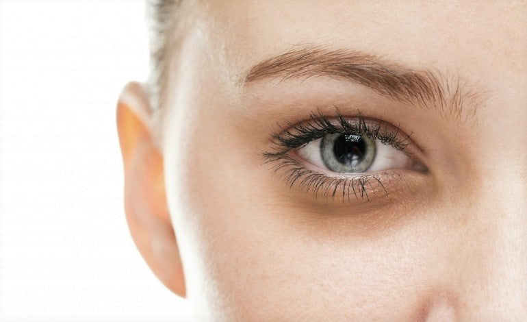 How to Reduce Dark Circles and Puffiness under Your Eyes in 4 Easy Steps