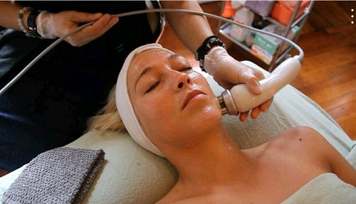 4 Reasons Why Professional Facials Should Become a Part of Your Beauty Ritual