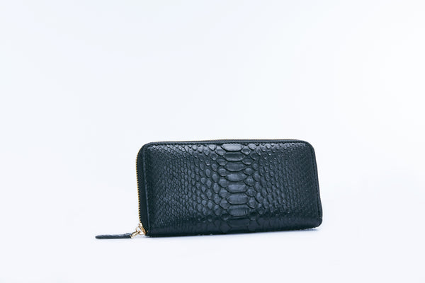 ZIPPED WALLET - BLACK