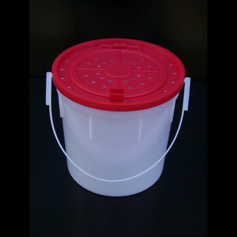4 Quart Plastic Bait Bucket