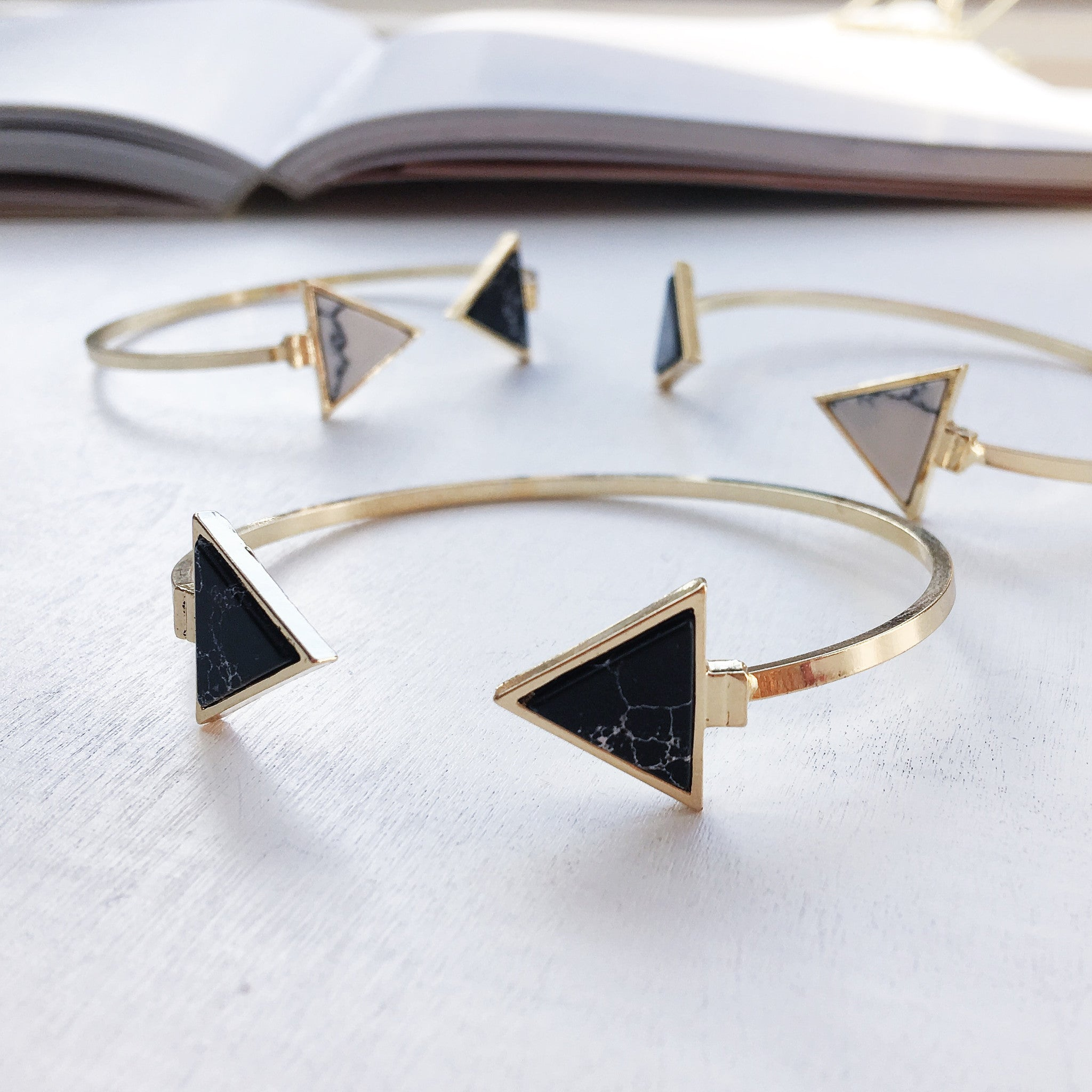 Black marble stone triangle bracelet plated in 18K gold | marble bangle