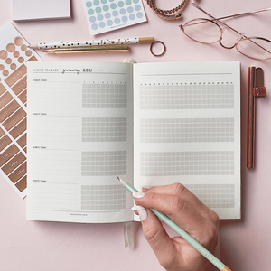 Ella Iconic 2021 CEO of My Own Life Weekly Planner | Habits Tracker Page