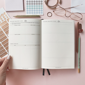 Ella Iconic 2021 CEO of My Own Life Weekly Planner | Quarterly Goal Setting Page