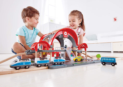 グランドシティ駅鉄道プレイセット Hape E3725 Grand City Station Railway Playset, Multicolor - Zacca store