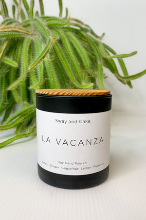 La Vacanza Sway and Cake Signature Candle