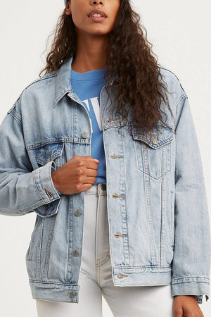 Dad Trucker Jacket in Light Wash