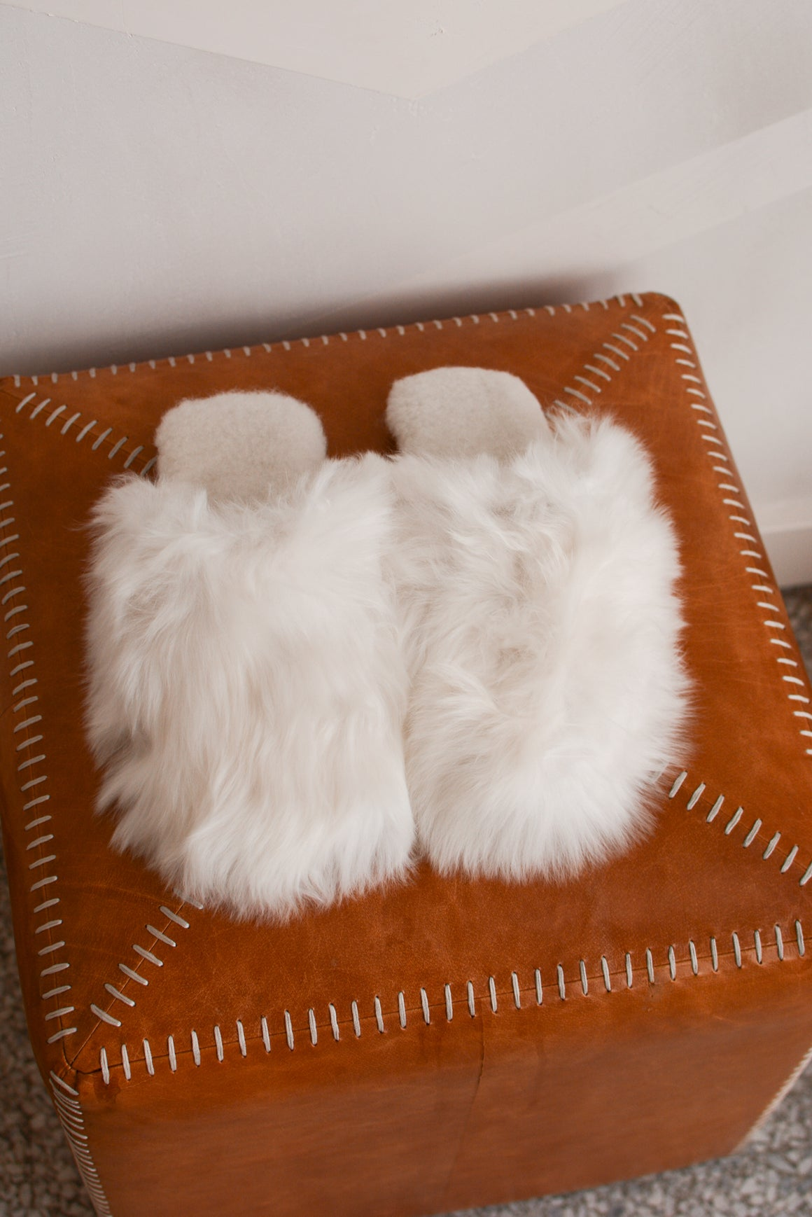Suri Alpaca Slippers in White