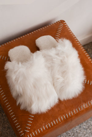Latierra Suri Alpaca Slippers in White