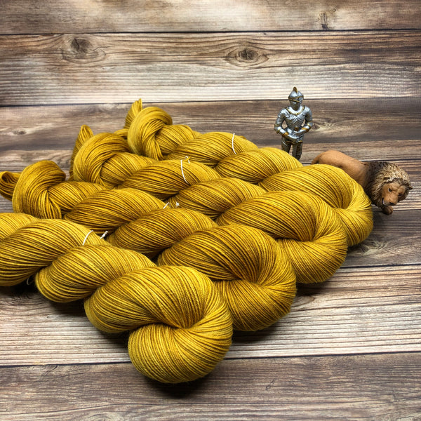 Merlin in Yvain - Round Table Yarns hand-dyed yarn tonal semi-solid self-striping