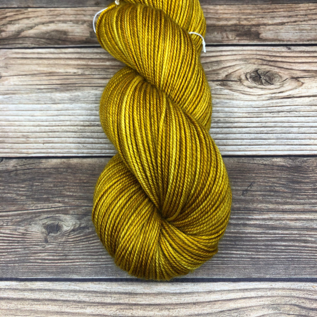 Tristan in Yvain - Round Table Yarns hand-dyed yarn tonal semi-solid self-striping