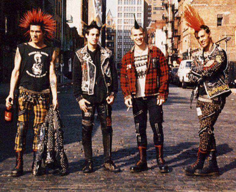 20 Awesome Punk Hairstyles For Guys-The Black Ravens