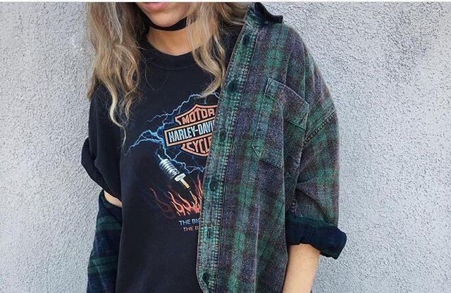 How To Dress In True Grunge Fashion-The Black Ravens