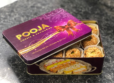 LIMITED EDITION! 500g Eggless Kaab Alghazal Soft Chewy Coconut Biscuits + Tin
