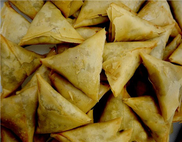 Mixed Vegetable Samosa (No Onions, Fried)