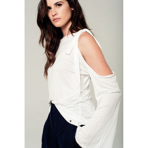 Cold shoulder top in white - Fashionista Style