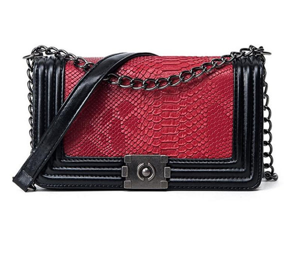Red Carpet Ready Crossbody Bag - Fashionista Style