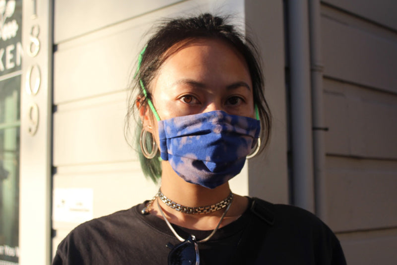 How to Make a Shibori Discharge Dyed Pleated Facemask