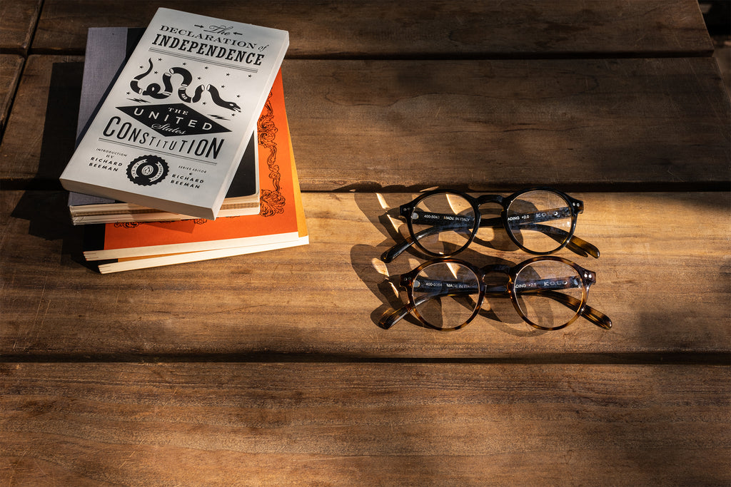 Keeping Your Eyes Healthy - Why You Should Wear Reading Glasses