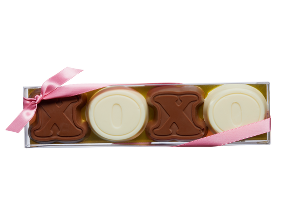 Milk & White Chocolate XOXO (4 pcs)