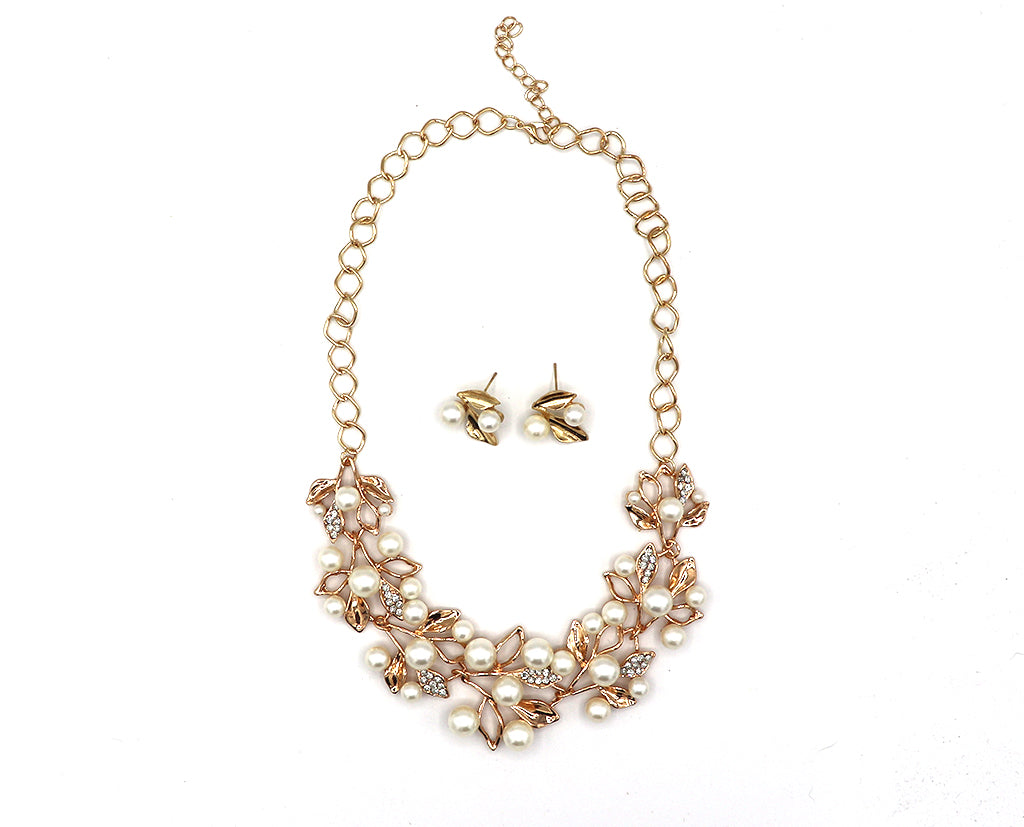 Dreamy Budding Pearls Necklace Set