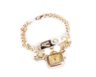 Exemplary bracelet wrist watch with a trendy metal straps