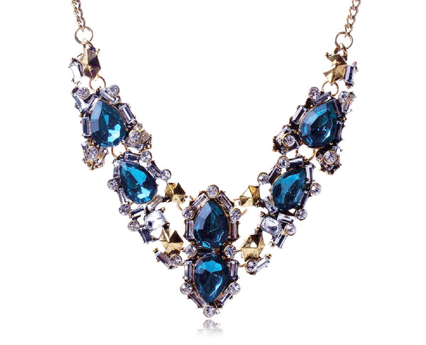 Luxurious Emerald Geometric Gemstone Statement Necklace