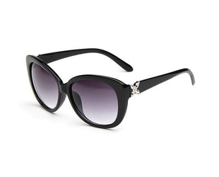 Katie style outsized chic sunglasses