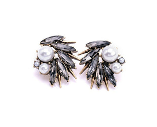 Pearl and Rhinestone embedded elaborative ear studs