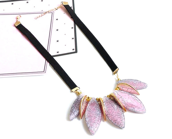 Petal Inspired Self-patterned Elliptic Neckpiece
